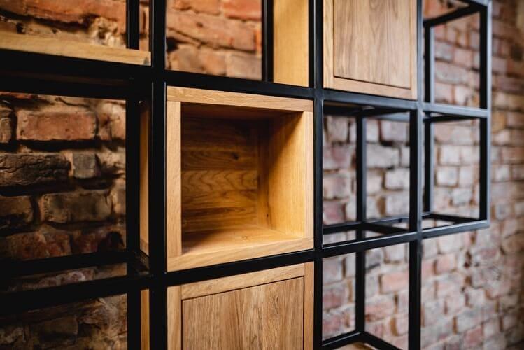 regal drewniany krogulec minimalistyczny geometryczny 1