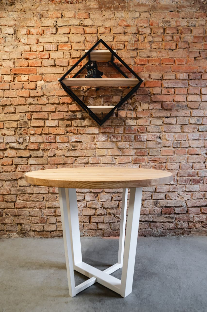 metalurgiaintensywna stolik stol dzwoniec 5