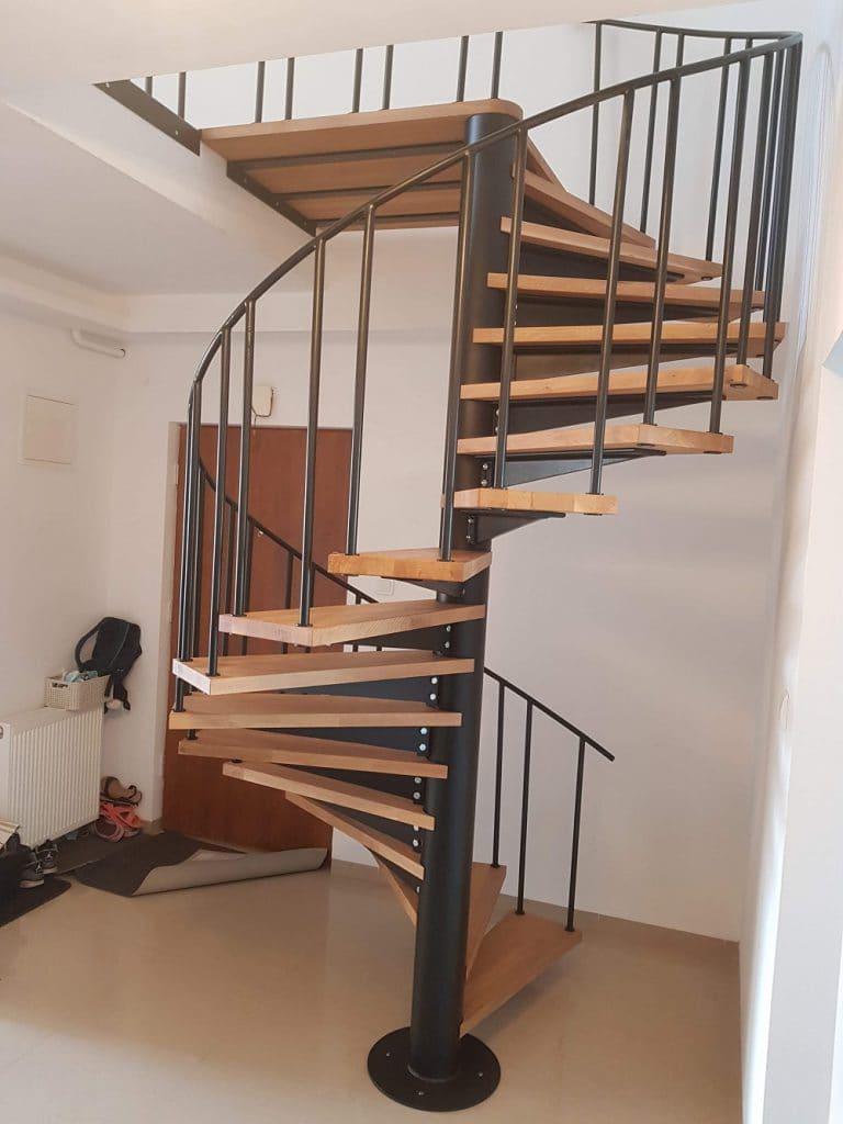 metalowe schody kręcone